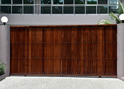 Exclusive Garage Door Service Austin, TX 512-410-7044